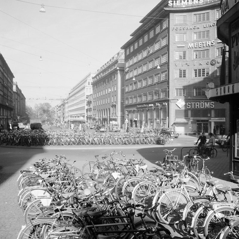 Cycling in Stockholm, 1946